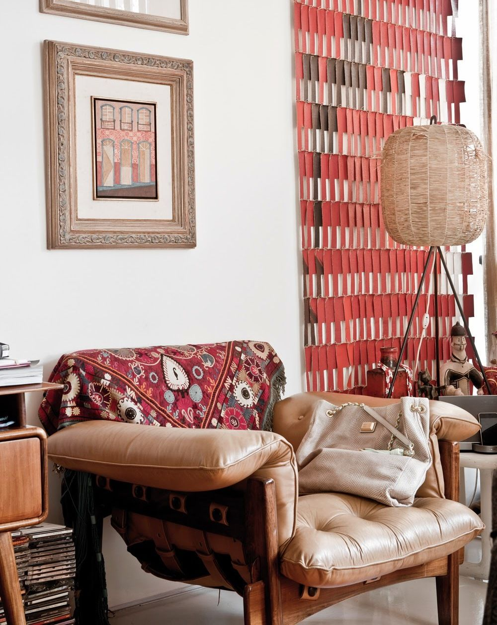 Оригинальное кожаное кресло