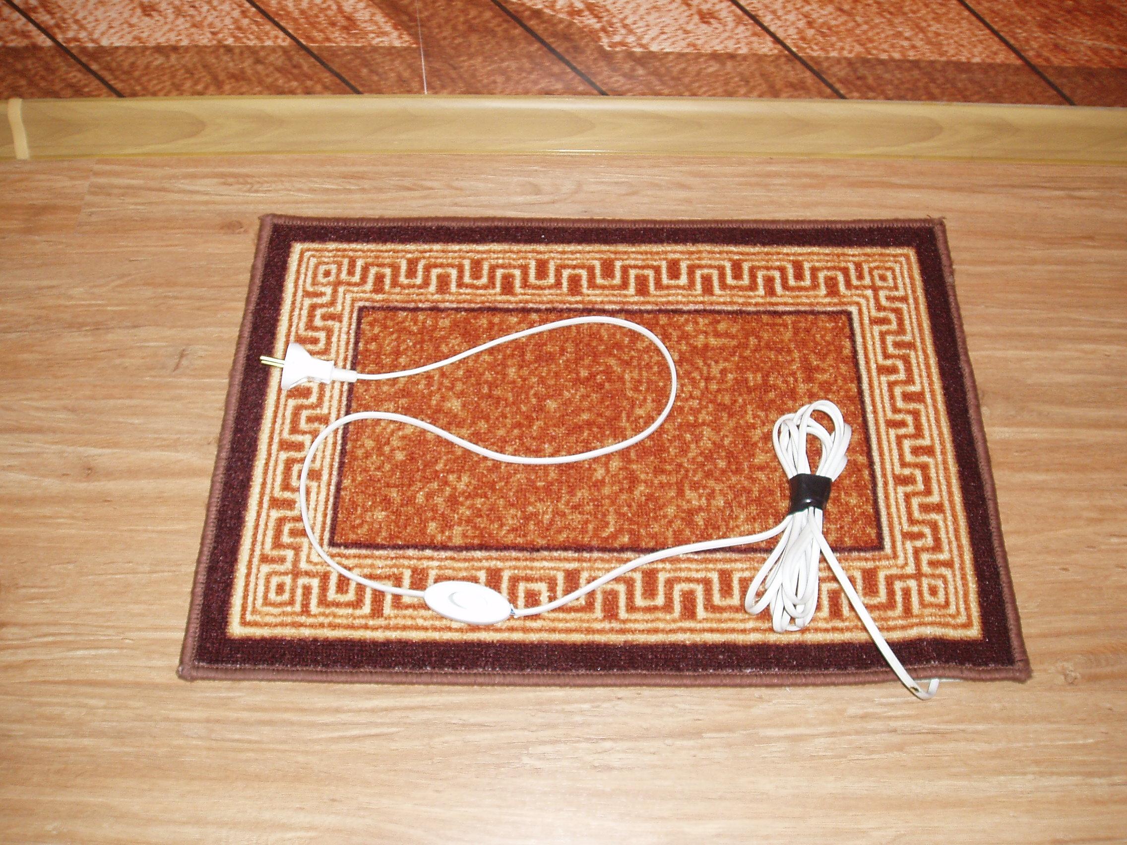 Теплый коврик с греческим орнаментом