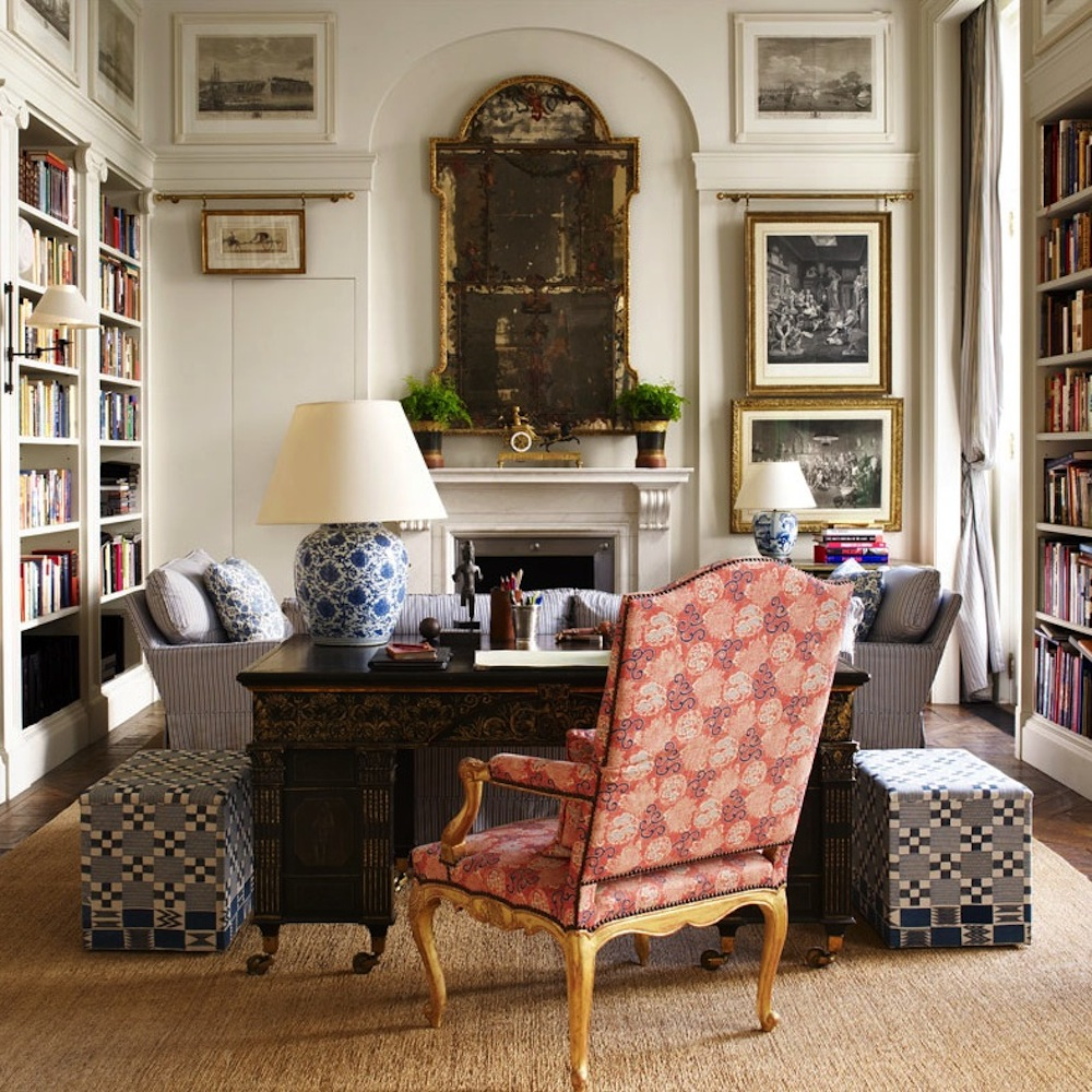 Письменный антикварный стол