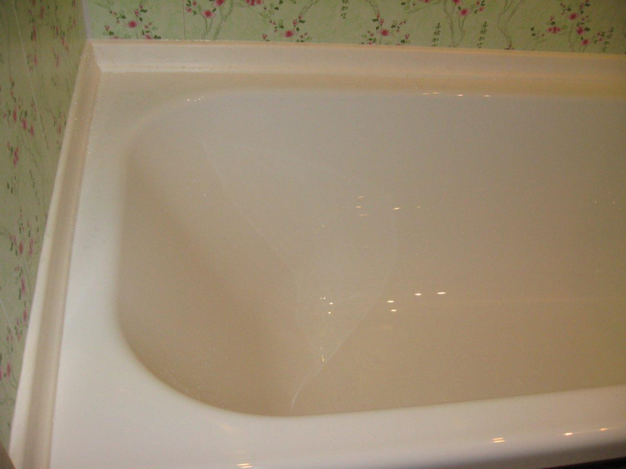 Бордюр из пластика в ванной