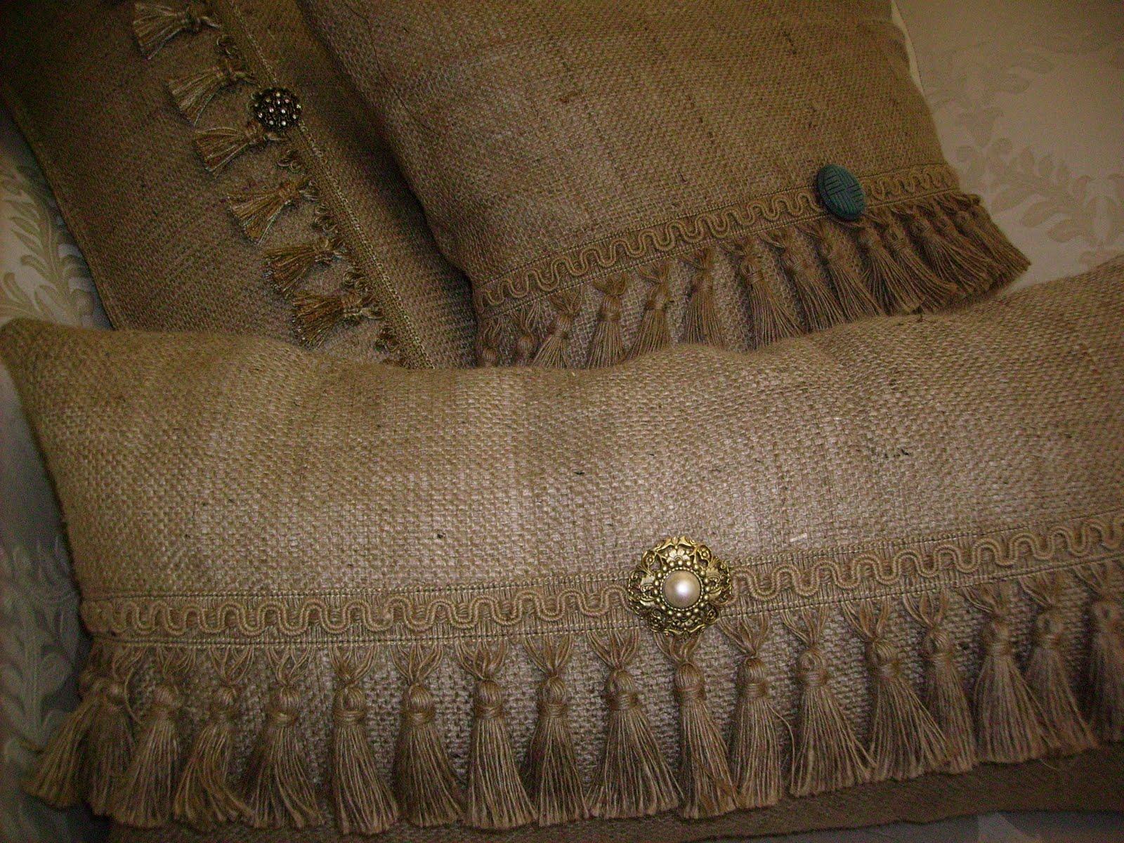 Чехлы на декоративные подушки из мешковины