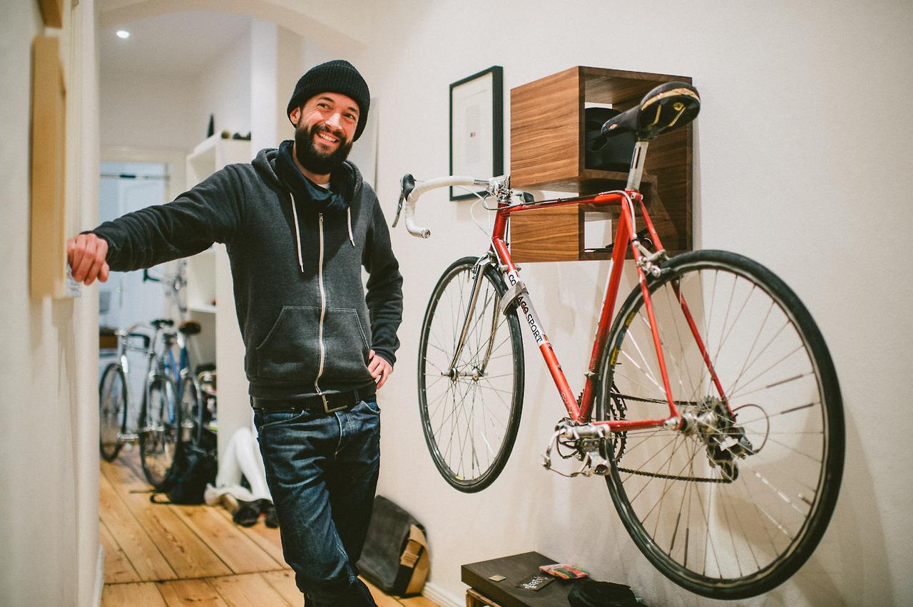 Полочка для хранения велосипеда