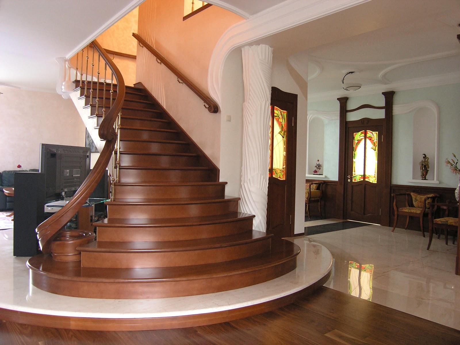 Лестница с полукруглыми ступенями