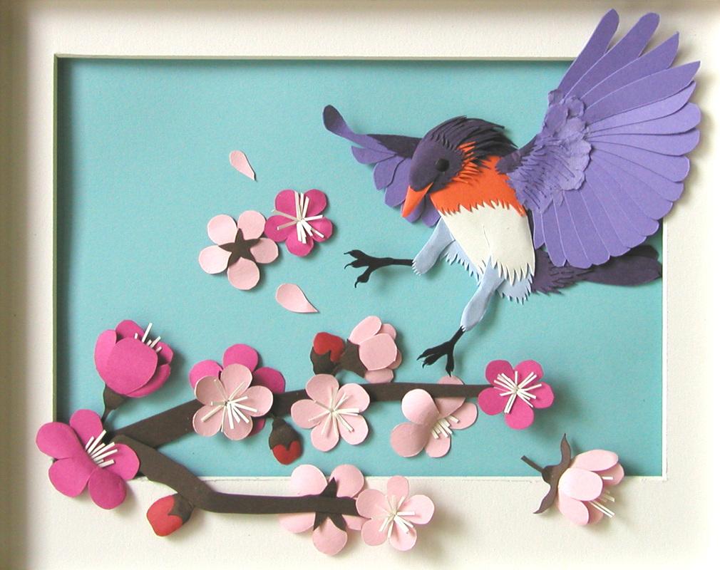 Панно декоративное из бумаги с птицей