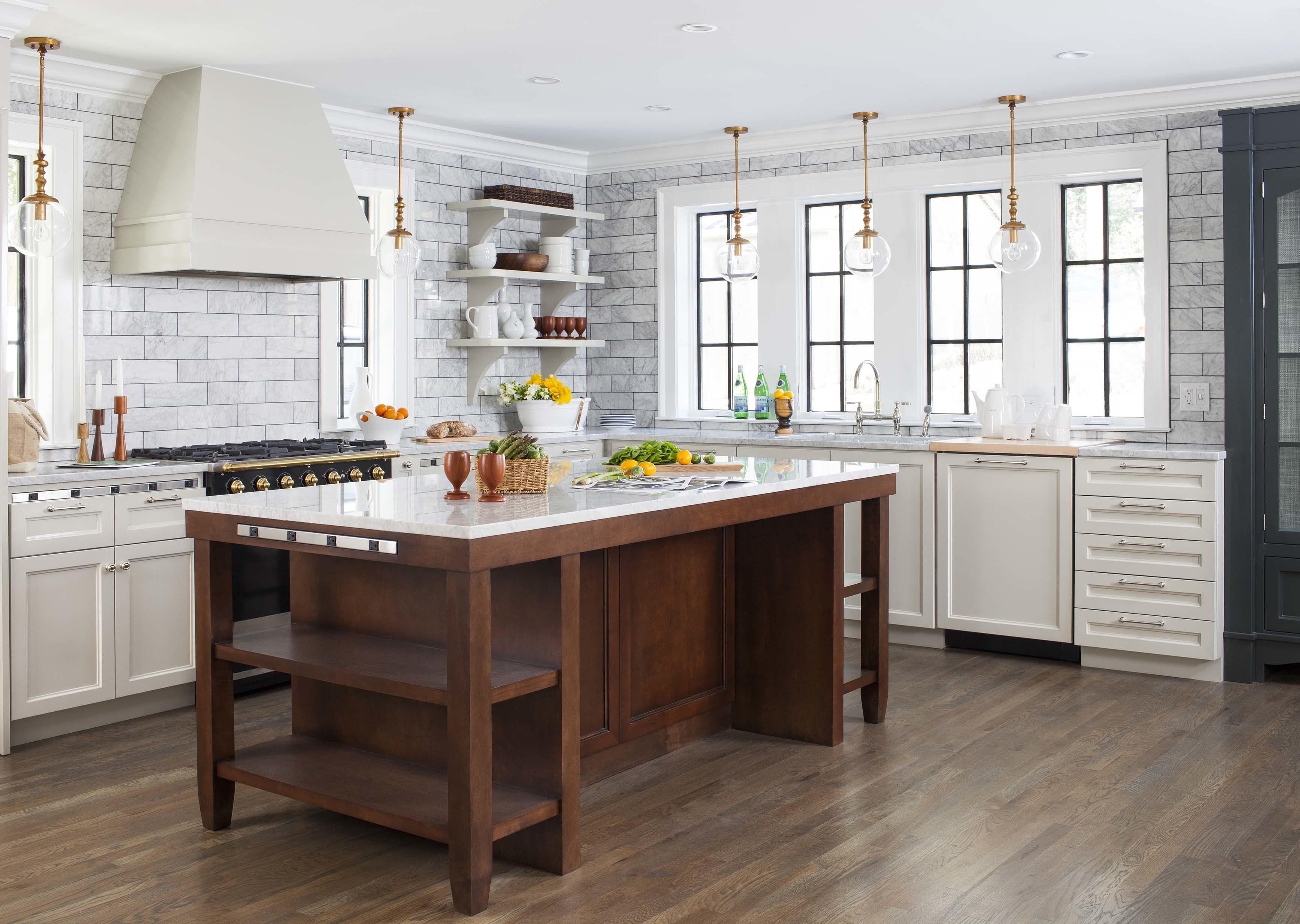 Кухня в стиле ретро без навесных шкафов