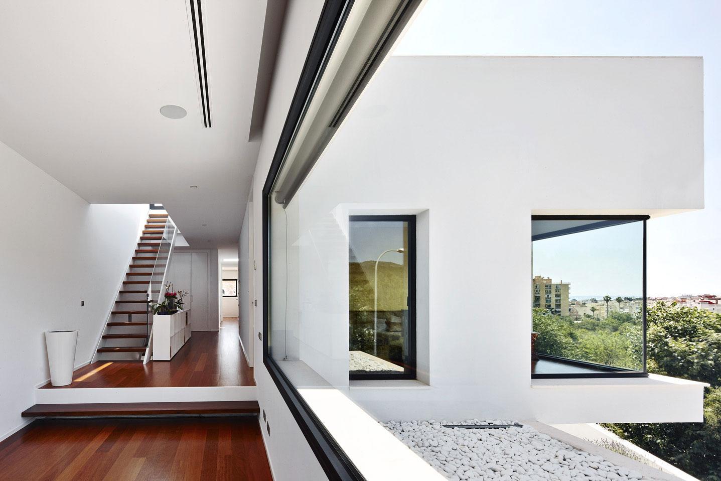 Лестница в загородной резиденции