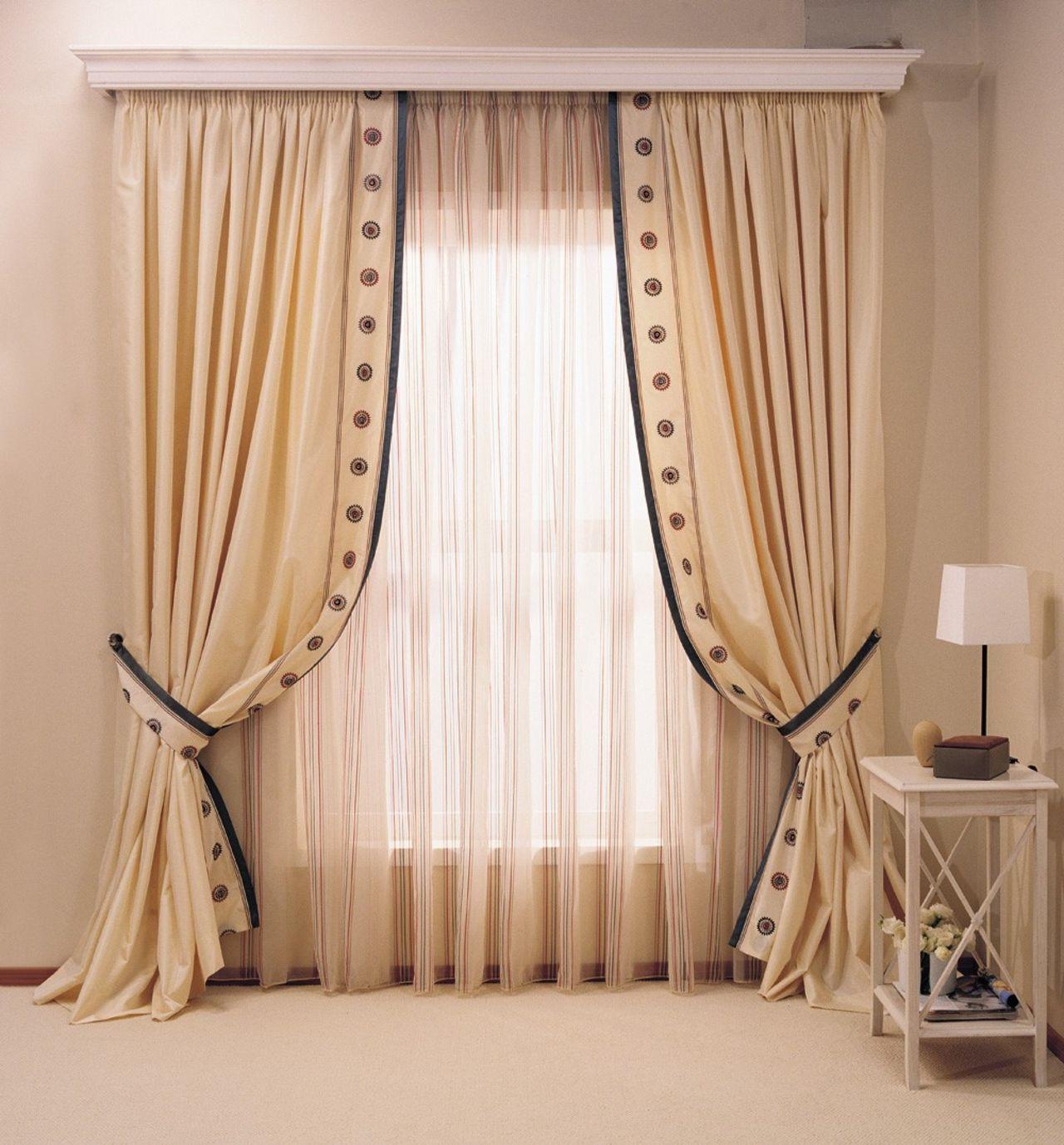 Гардина для штор с декоративной панелью