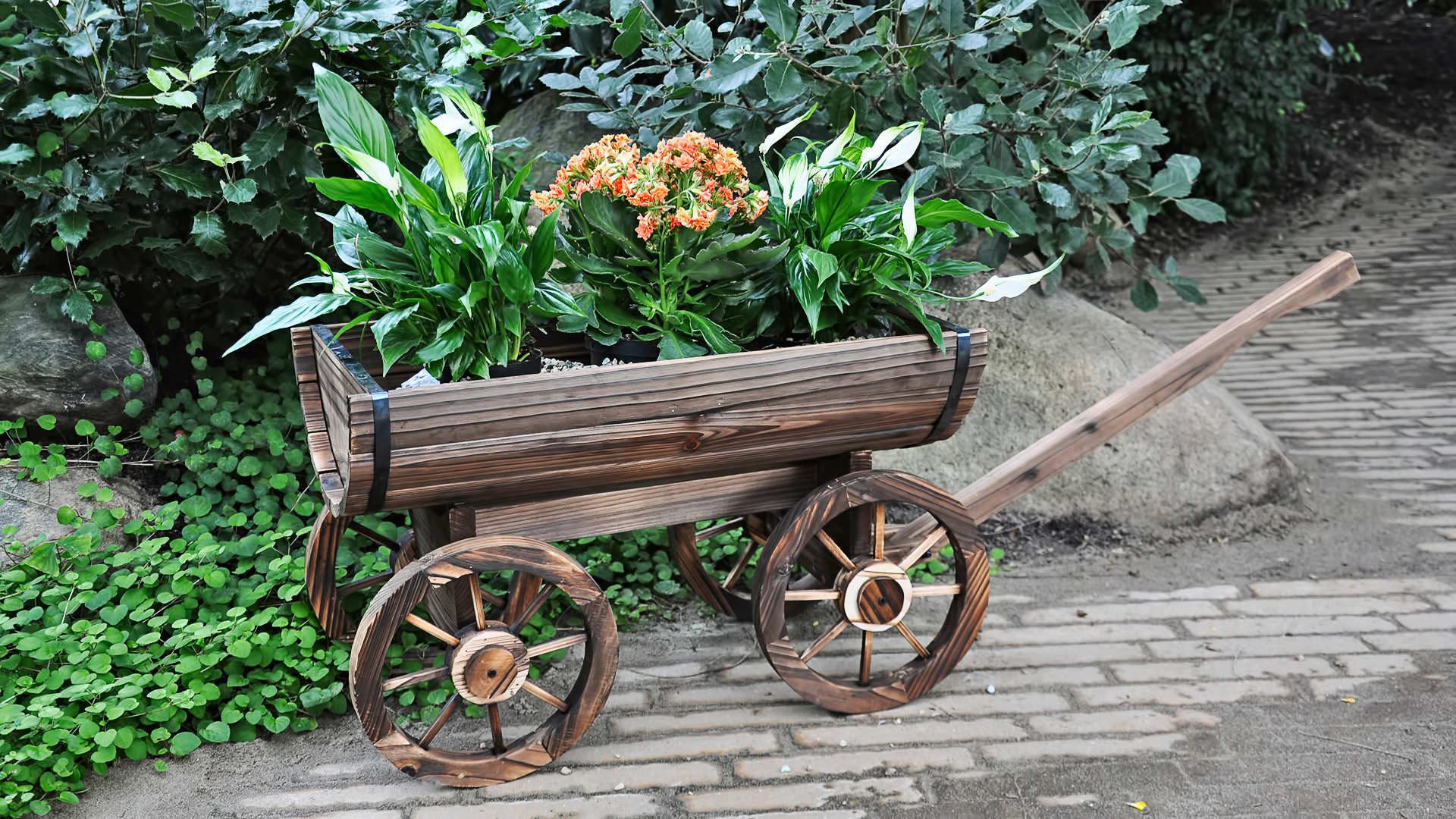 Садовое кашпо для цветов из дерева