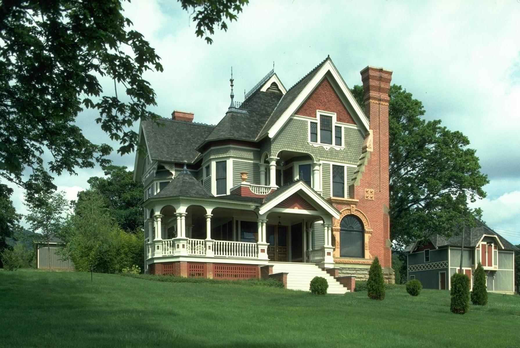 Дом в стиле сельской готики