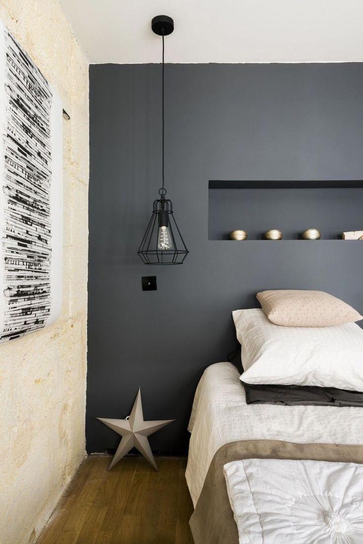 Серый дизайн узкой спальни
