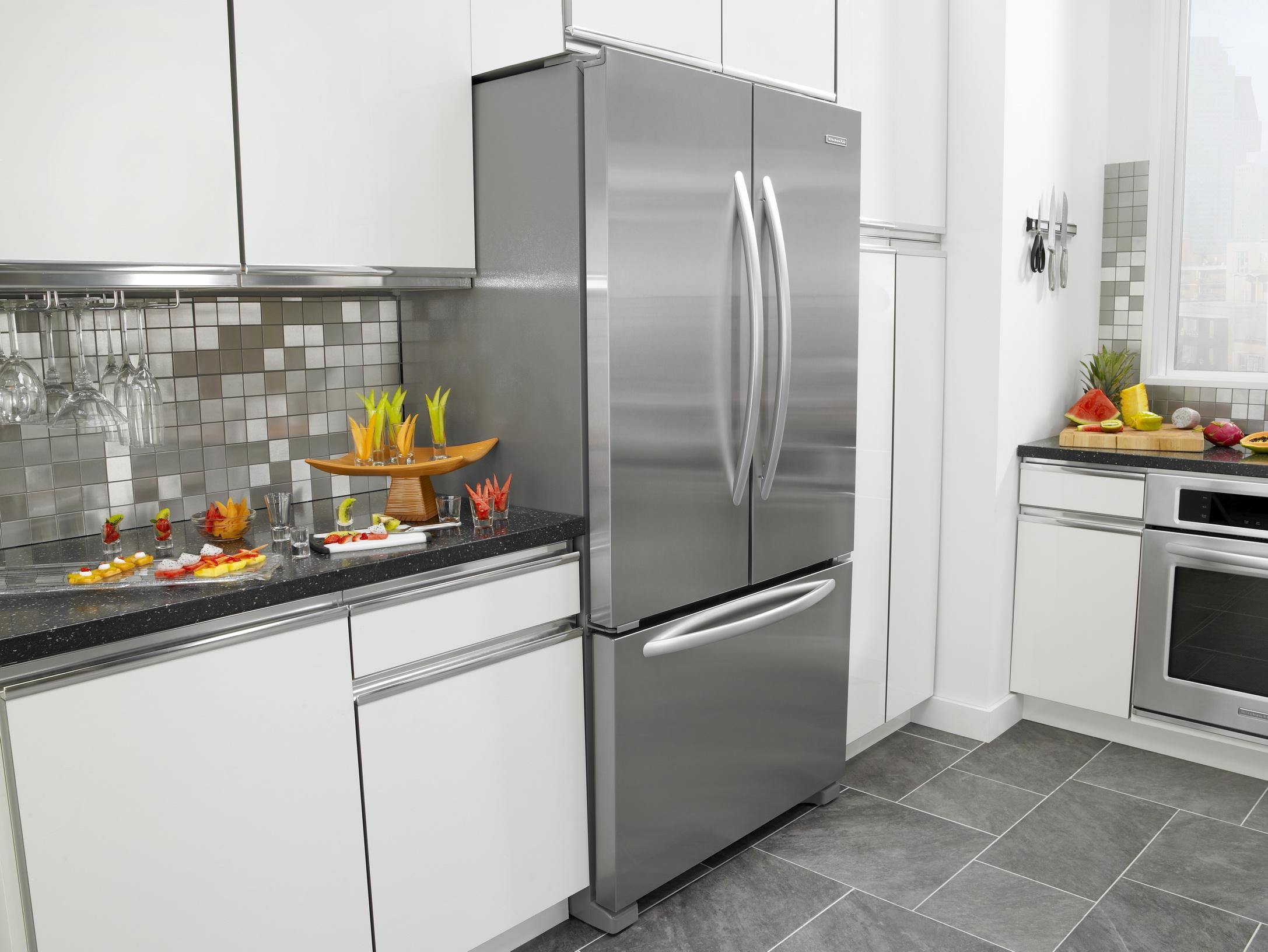 Двухдверный холодильник: характеристика, дополнительные функции, плюсы и минусы (23 фото)