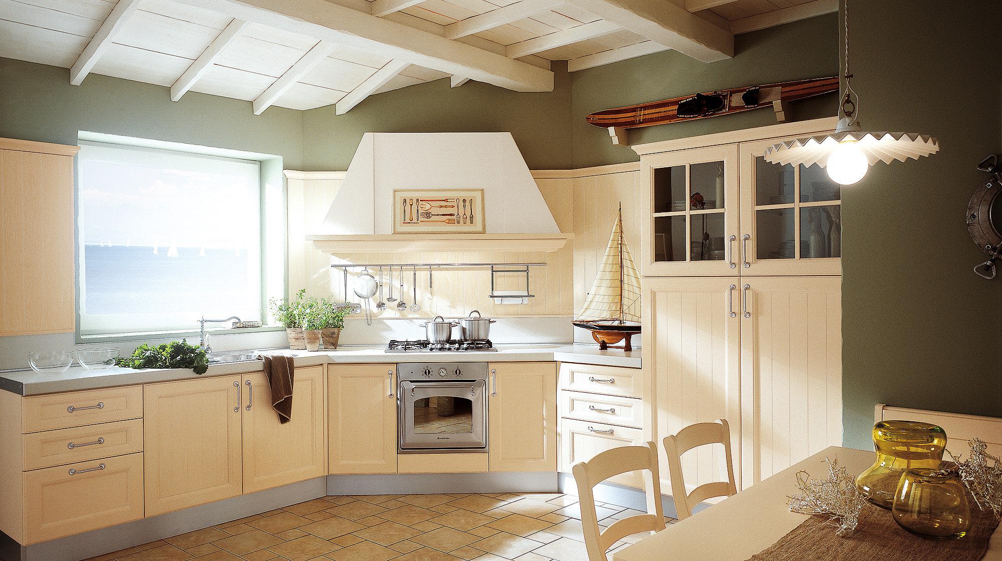 Угловая вытяжка на кухне в средиземноморском стиле