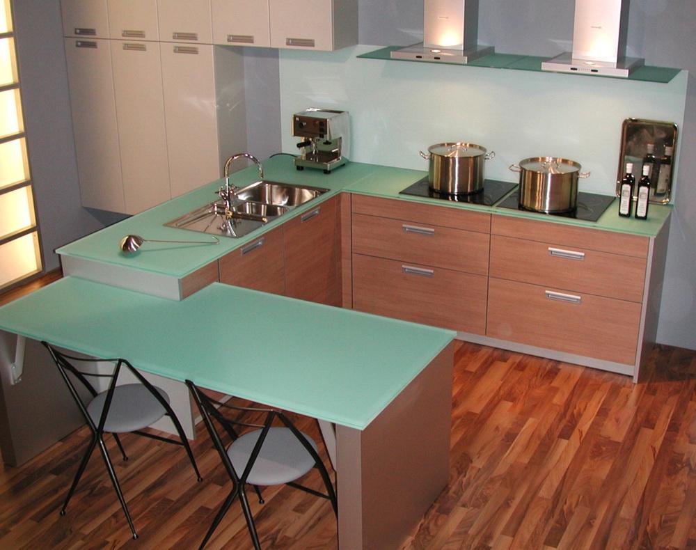 Кухонная столешница из стекла
