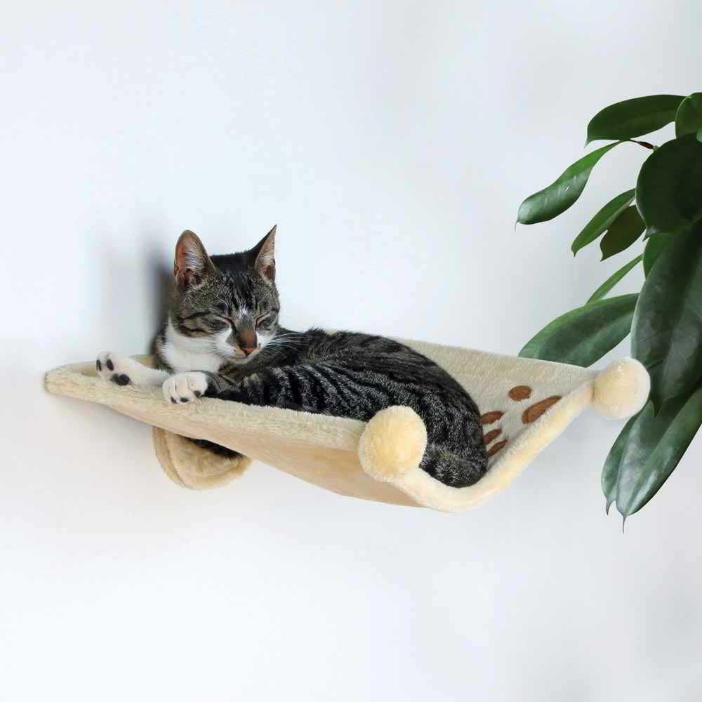 Гамак для кошки на стене