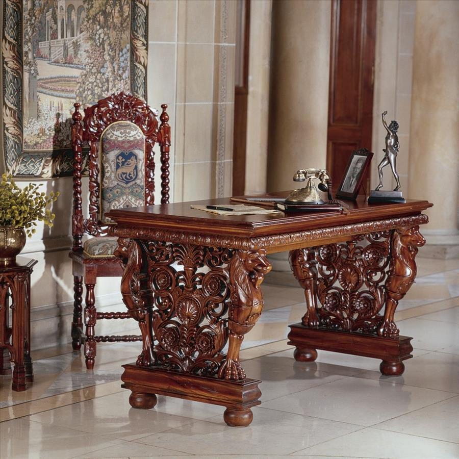 Антикварный письменный стол из дерева