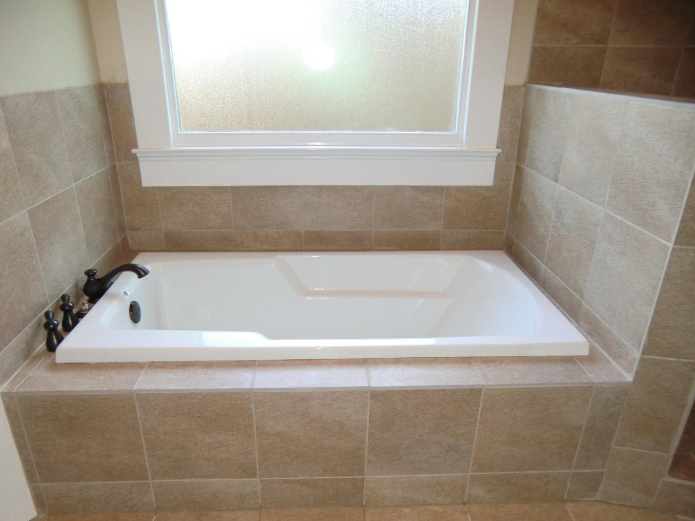 Герметизация стыков в ванной
