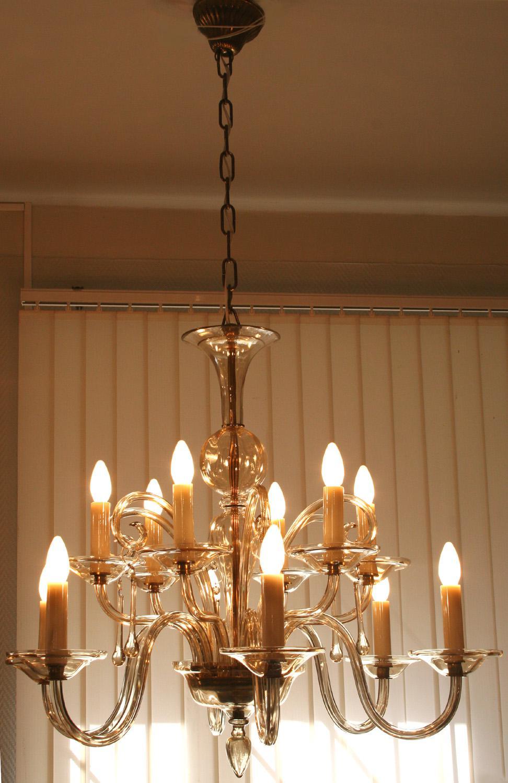 Светодиодная люстра со свечами