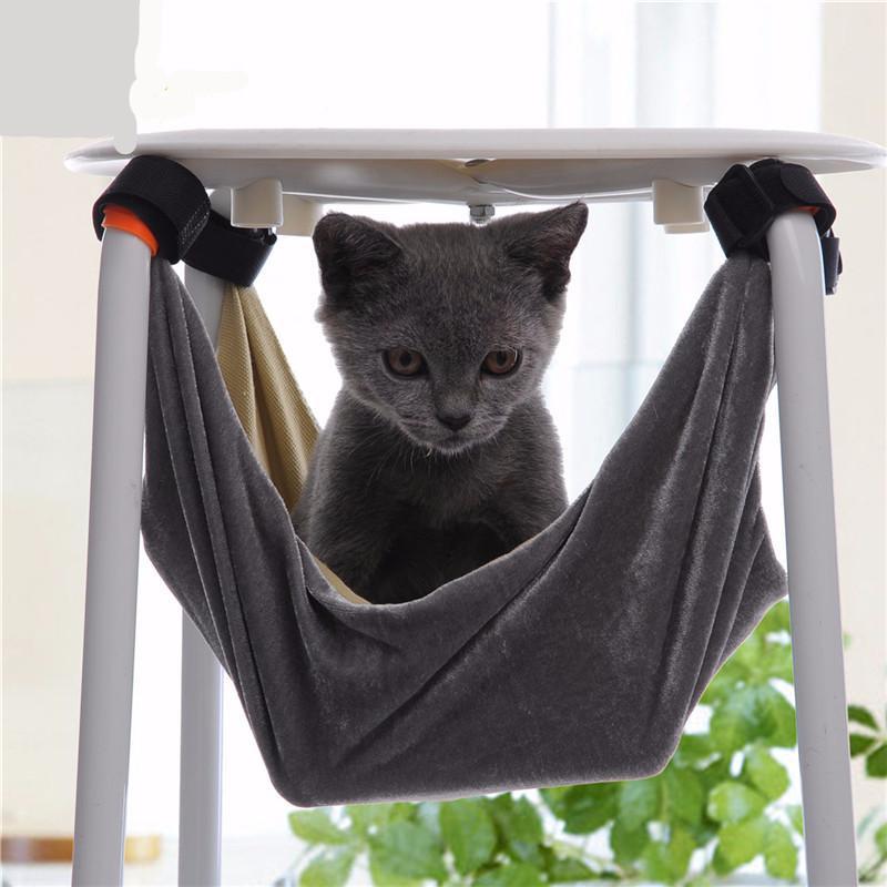 Гамак для кошки на табурете