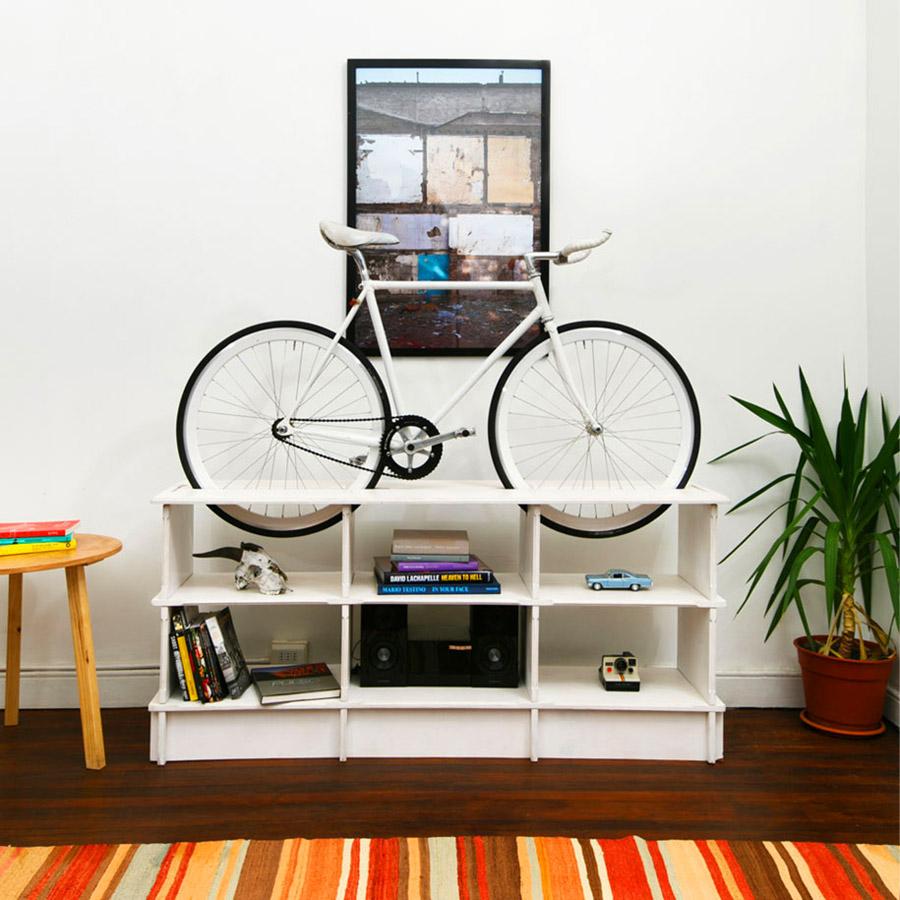 Хранение велосипеда на тумбе