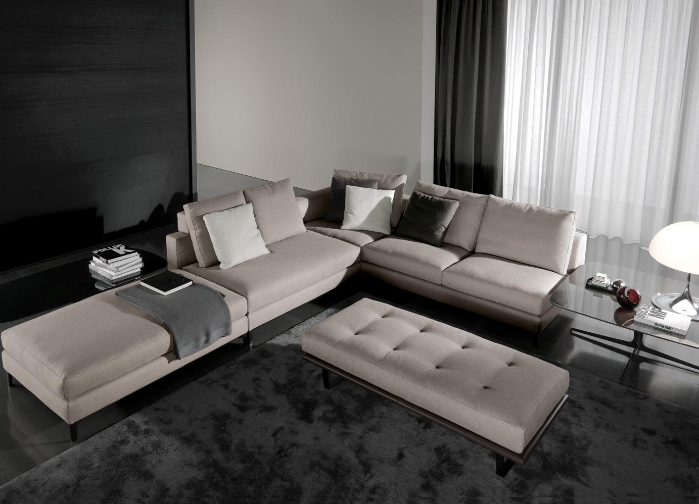 Угловой диван с модулями