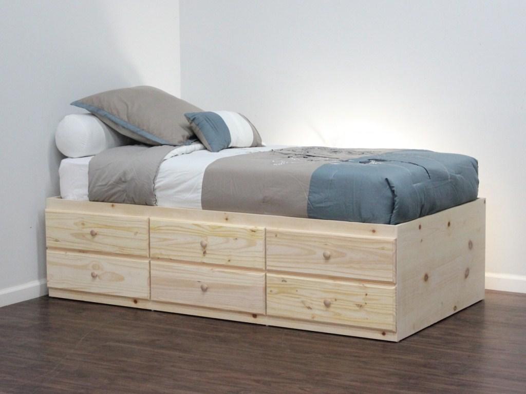Кровать без изголовья