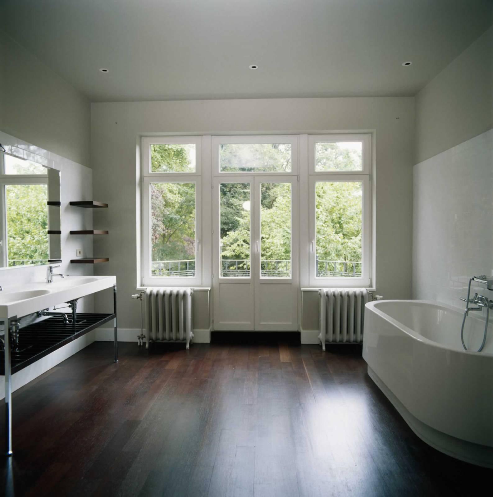 Побелка потолка в ванной