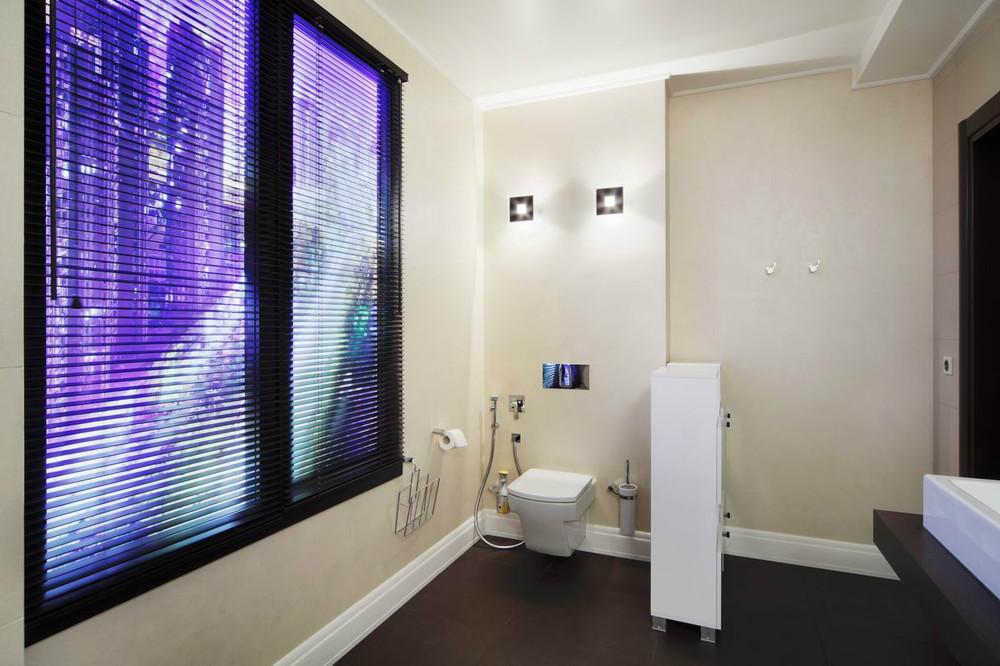 Подсветка окна в ванной