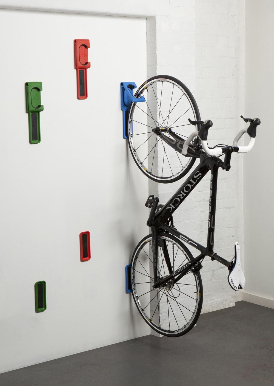 Вертикальное хранение велосипеда