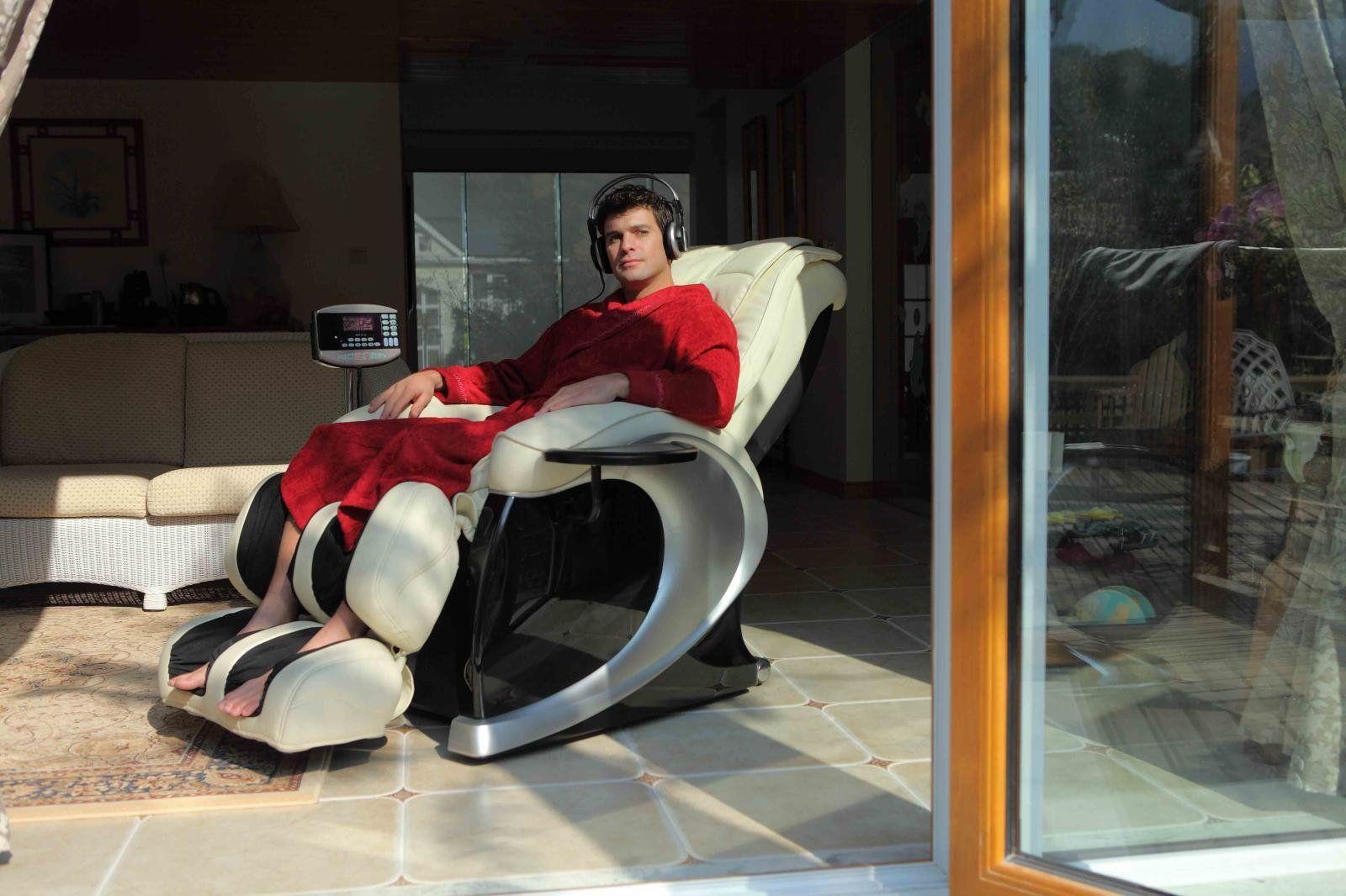 Массажное кресло японского производителя