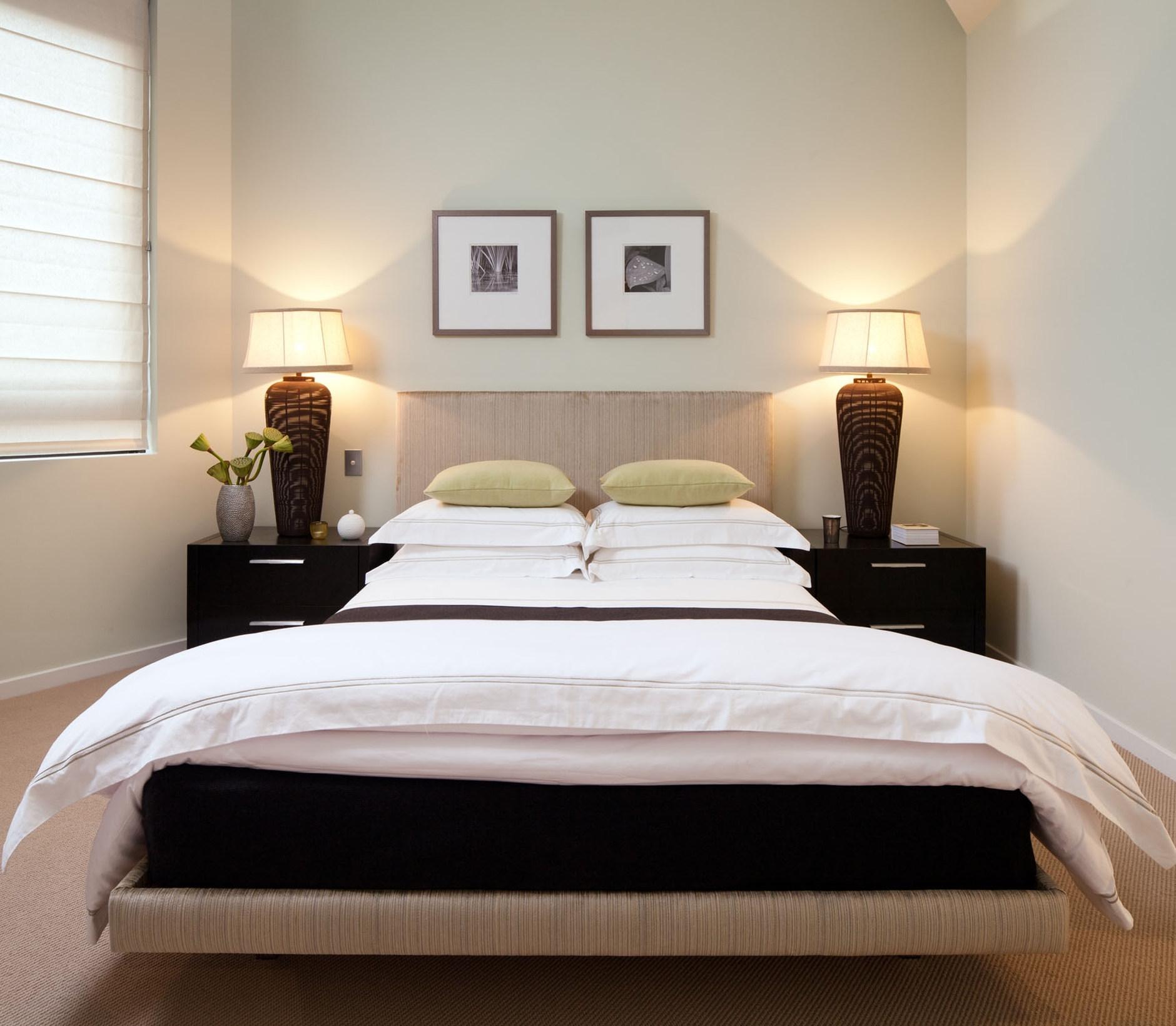 Японский дизайн узкой спальни