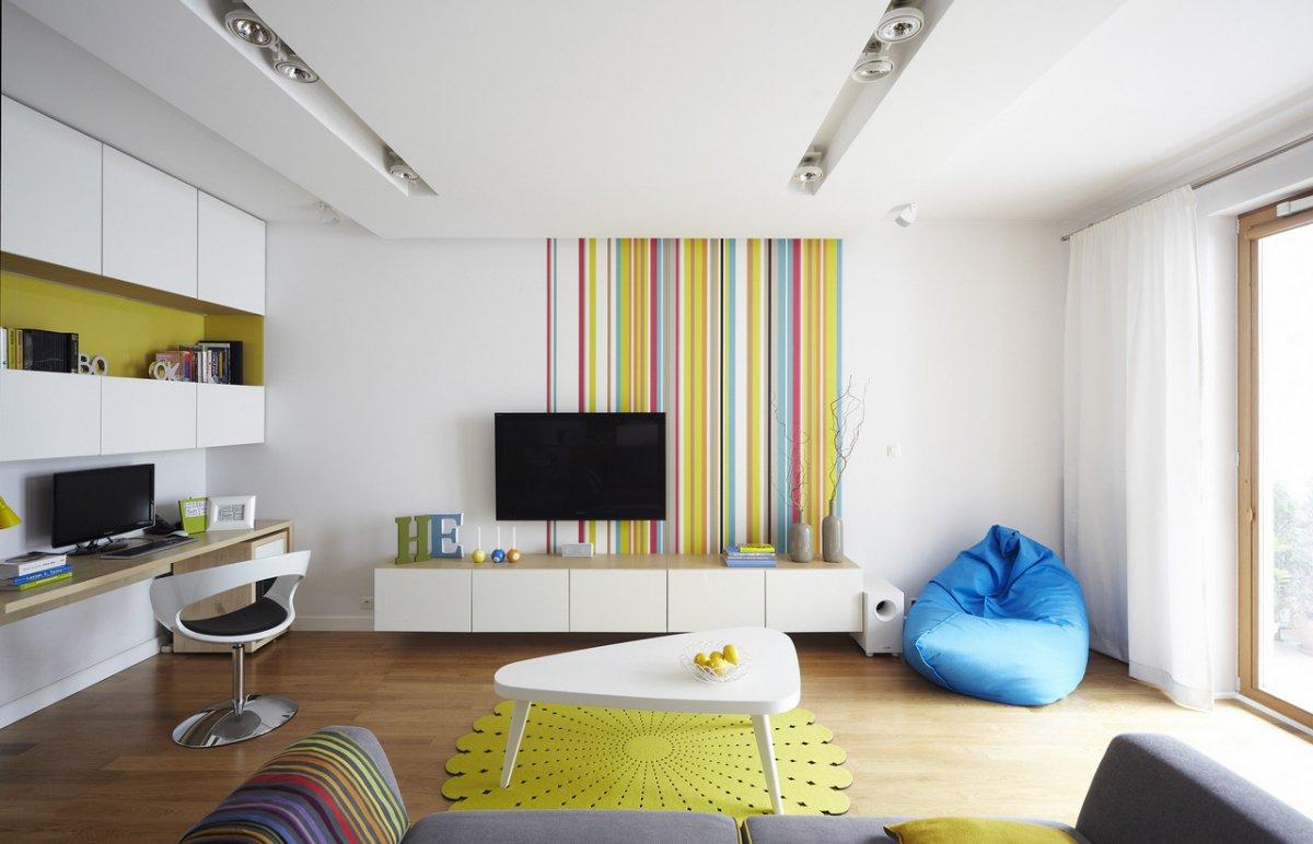 Бескаркасная мебель в ярком интерьере