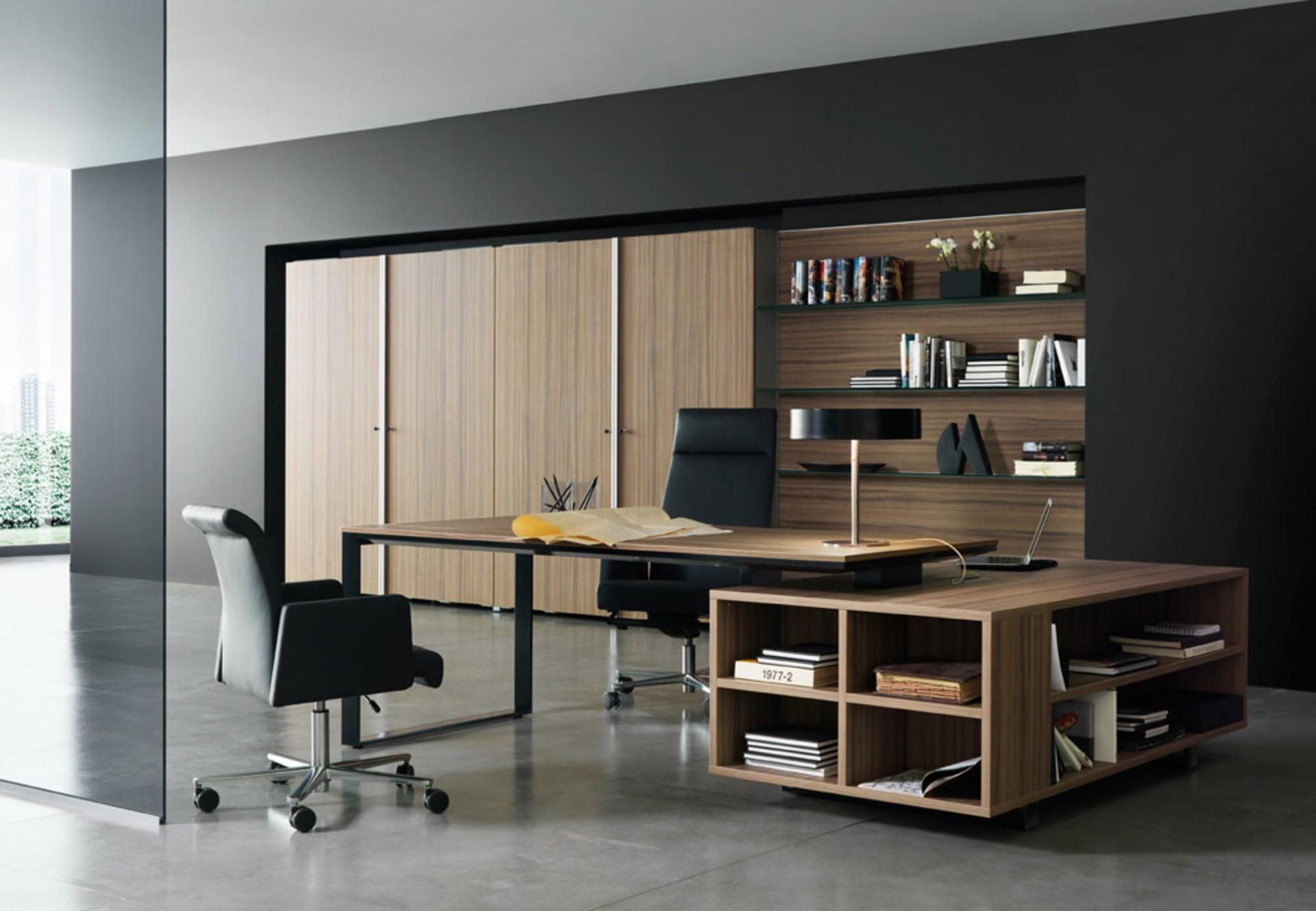 Дизайн интерьера кабинета руководителя зебрано