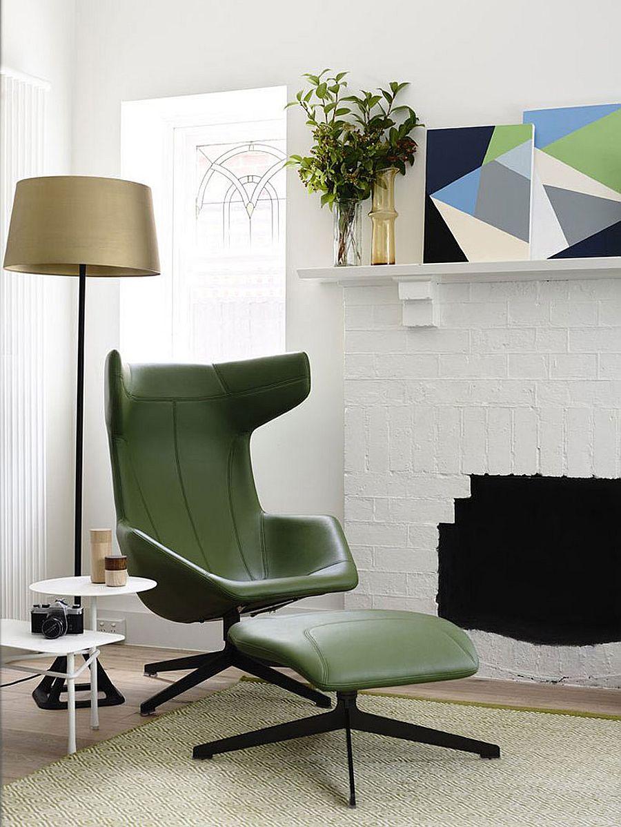 Зеленое кожаное кресло