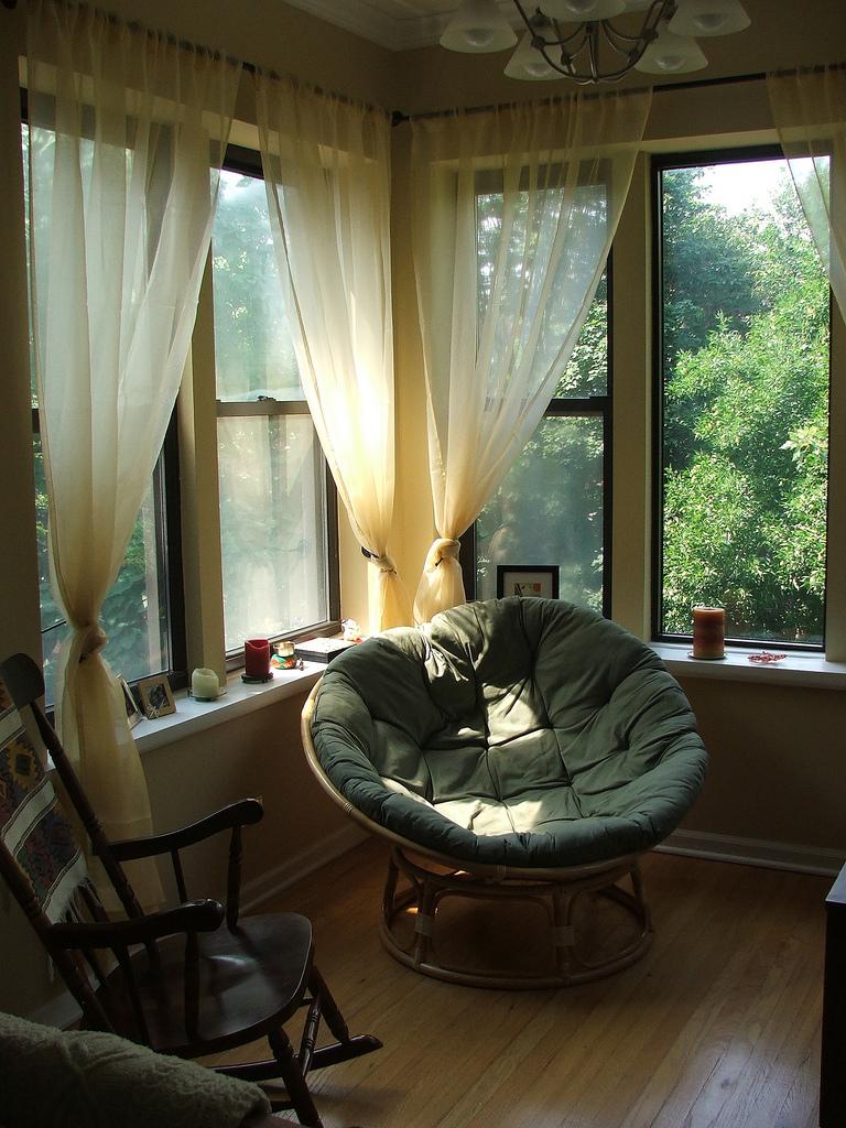 Место для чтения на балконе