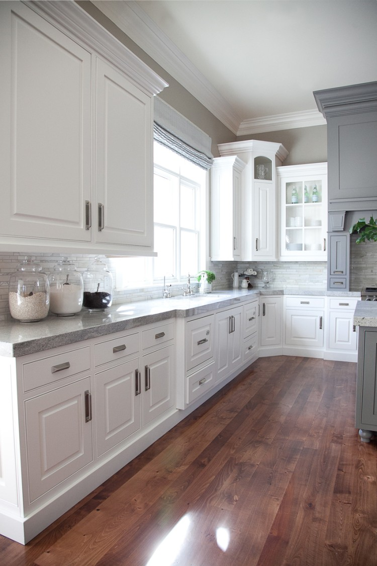 Дизайн белой кухни 2017