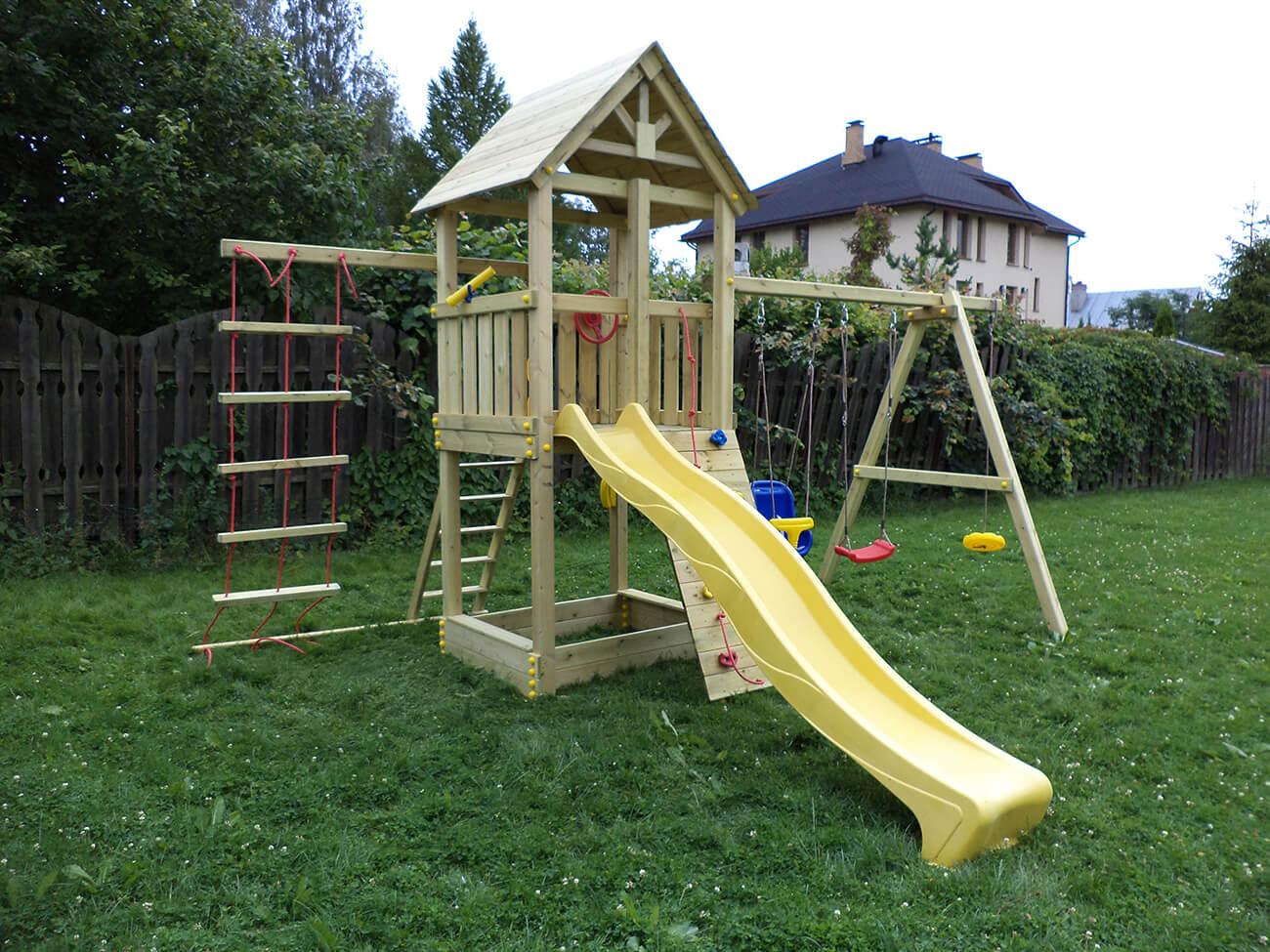 Детская игровая площадка из бука