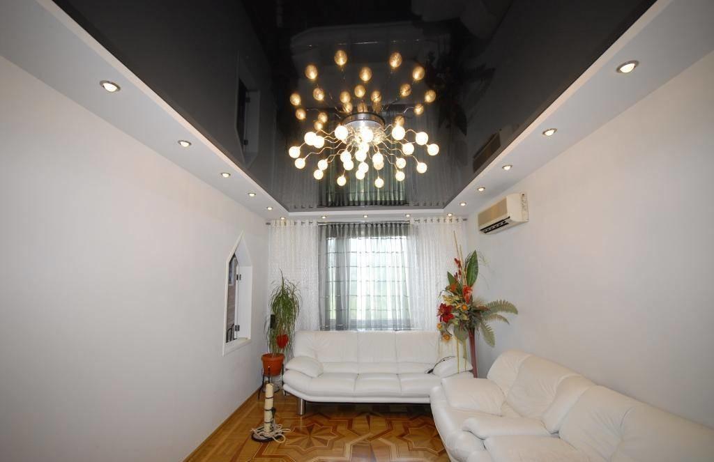 Черный комбинированный потолок