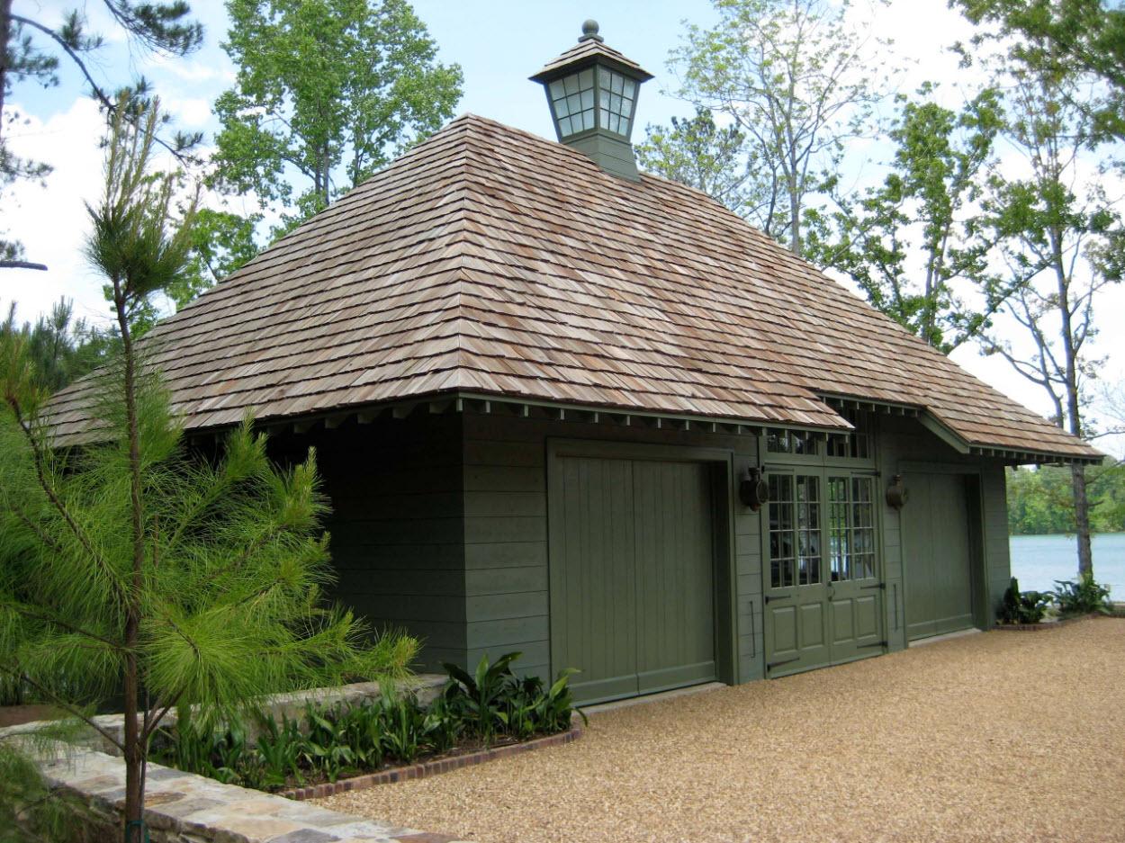 Вальмовая крыша деревянного дома