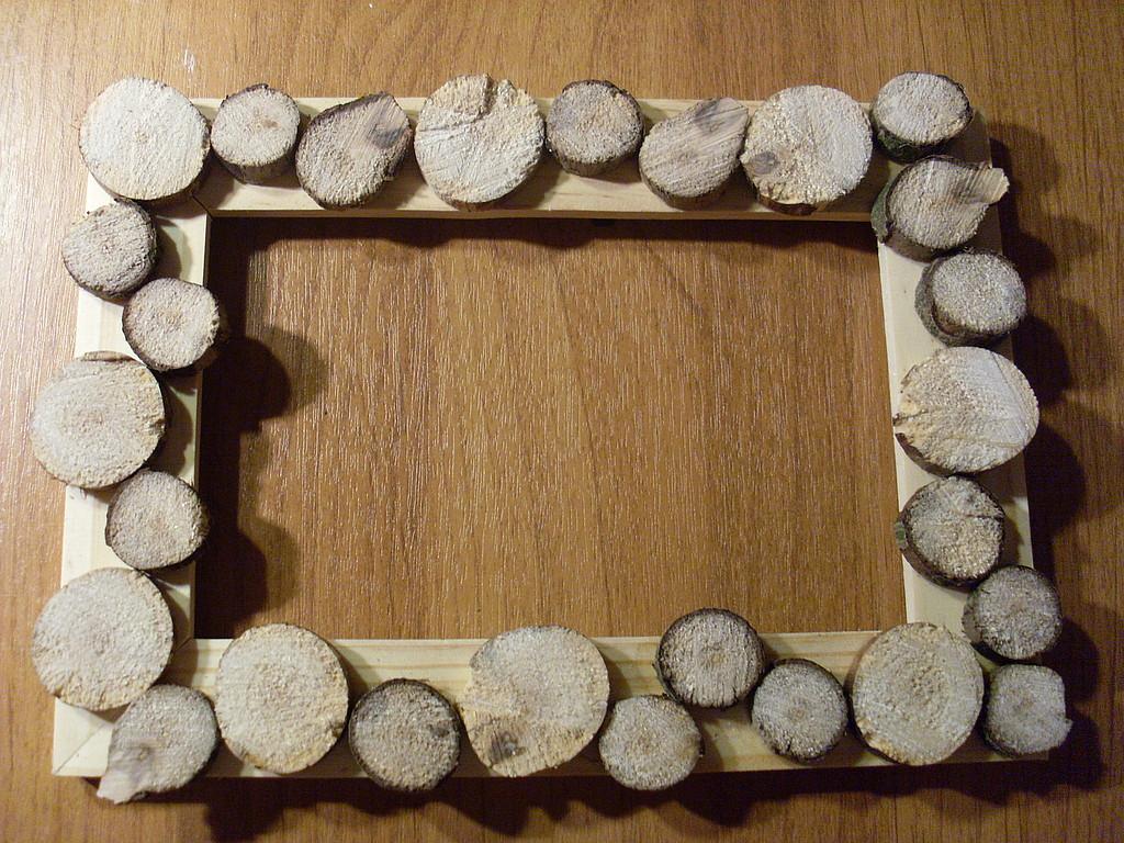 Декор рамки деревом