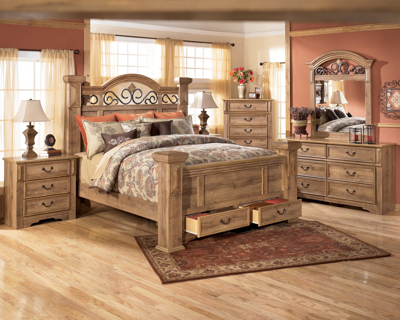 Деревянный спальный гарнитур