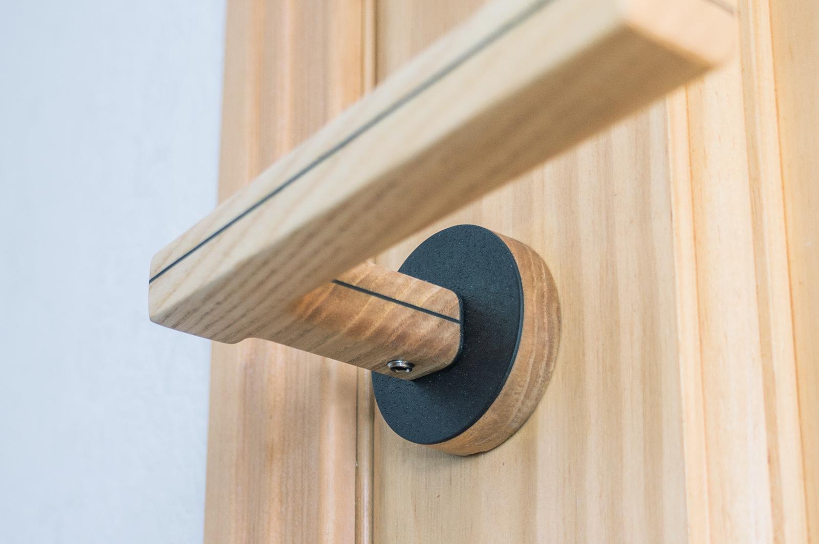 Деревянная ручка для двери
