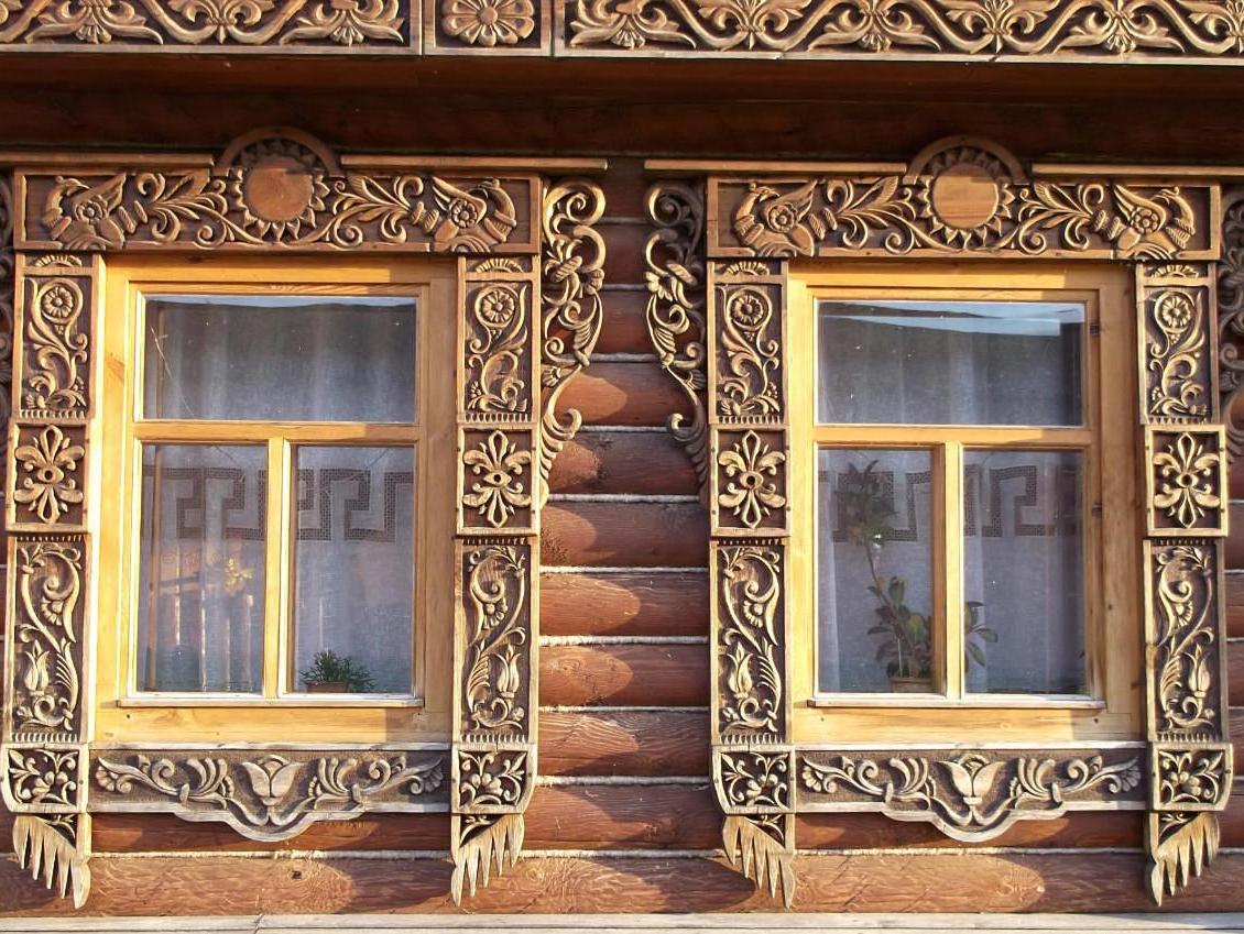 Резные деревянные окна