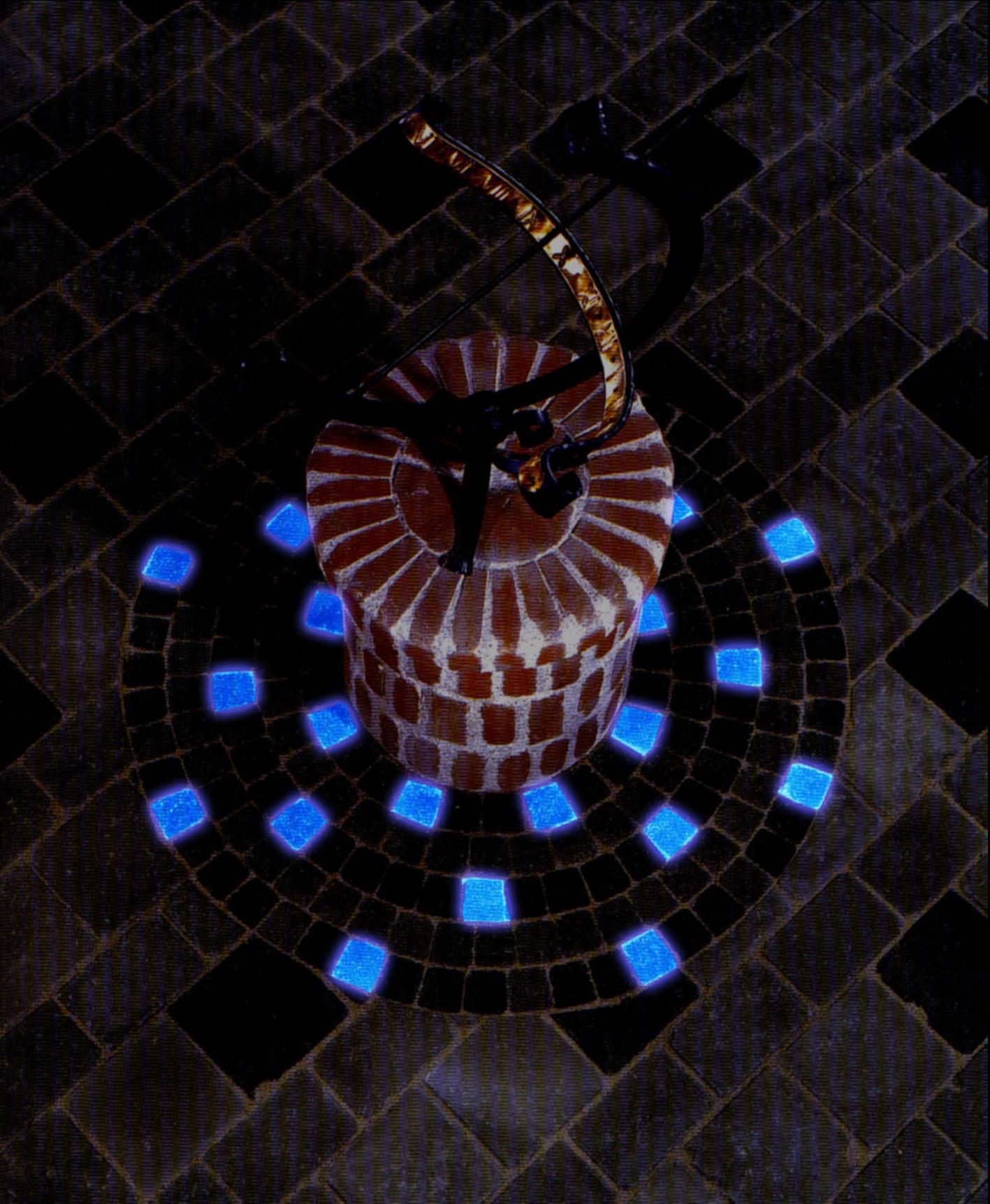 Дизайн из светящейся плитки в саду