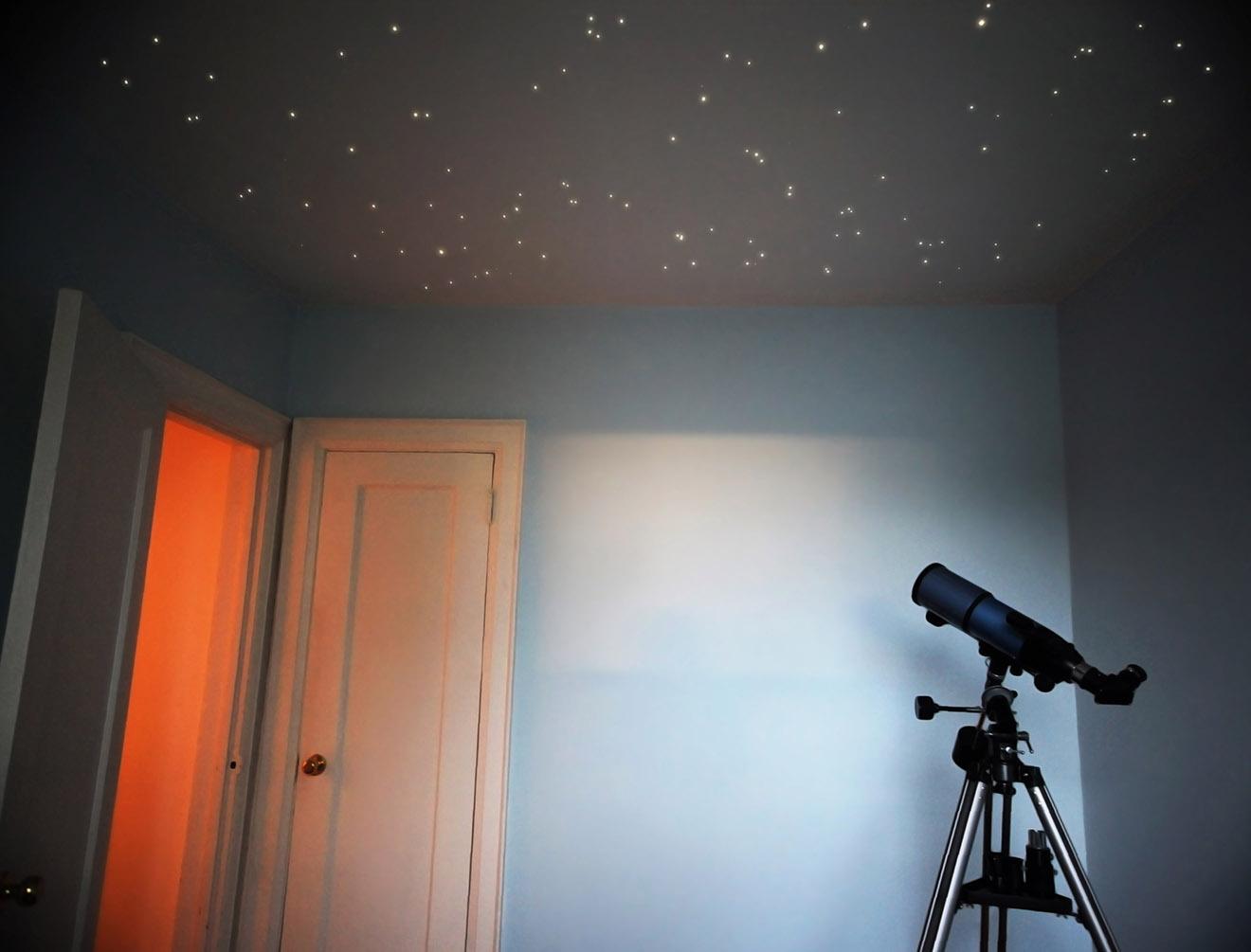"""Потолок """"звездное небо"""" в доме"""