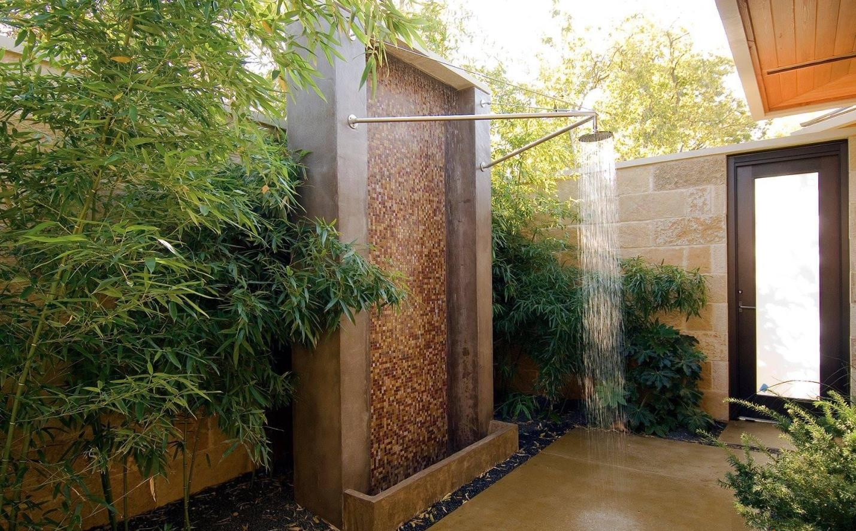 Летний душ в частном доме