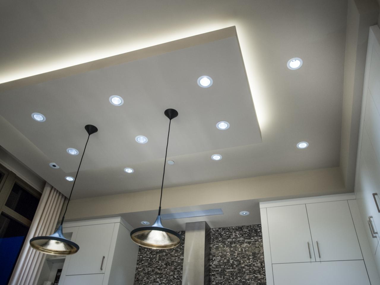 Потолок со светодиодной подсветкой двухуровневый