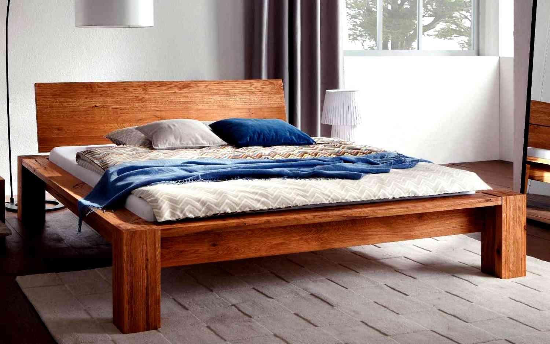 Кровать из массива дерева в стиле эко