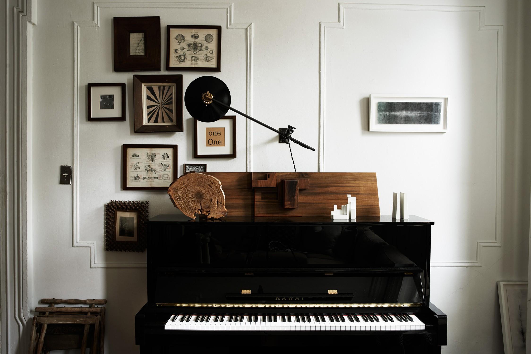 Пианино в экологичном интерьере