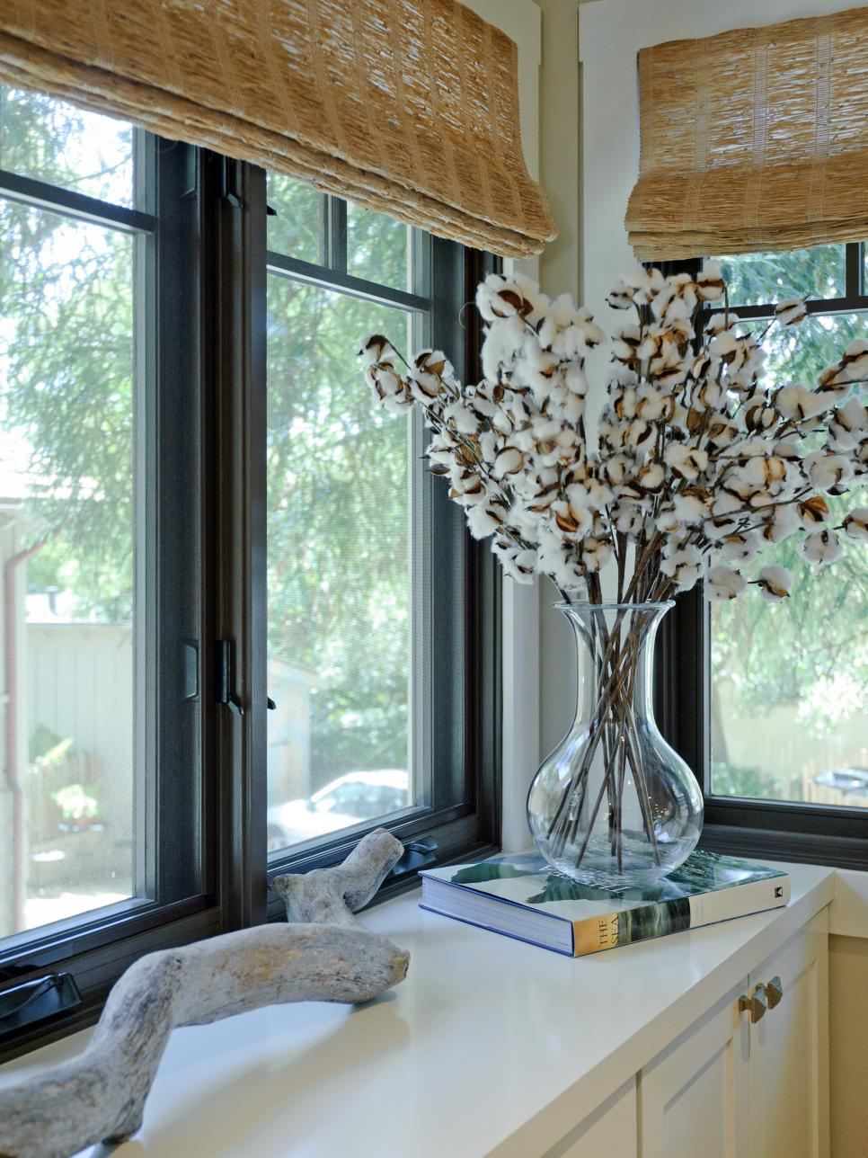 Оформление кухонного окна в стиле эко