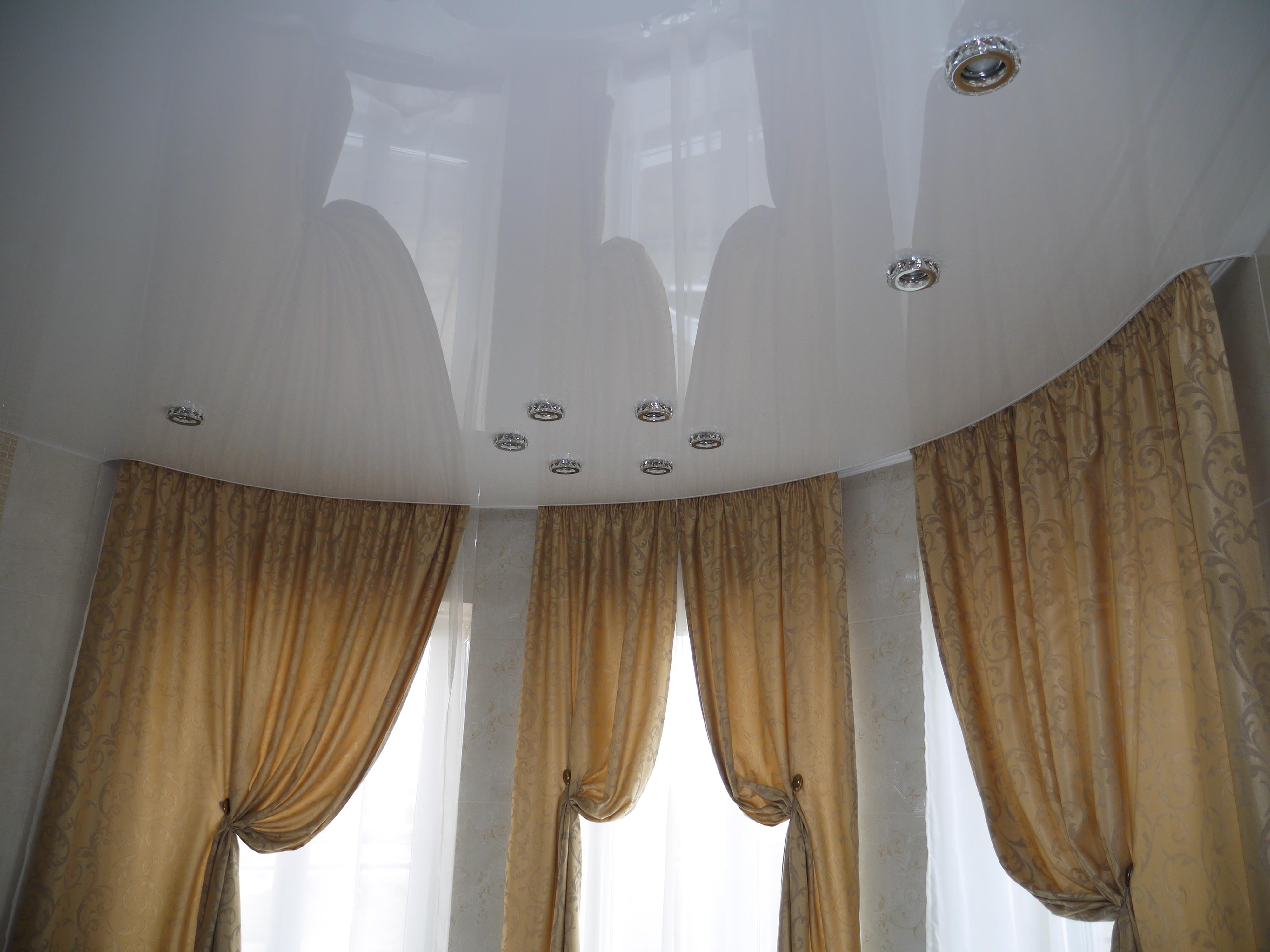Потолочная шина для эркерного окна